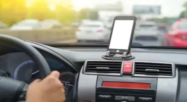 best car mobile holder india